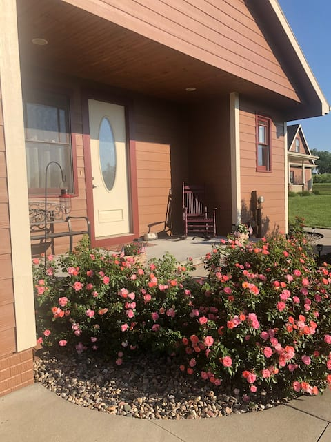 Guest house in the country, but close to the city!