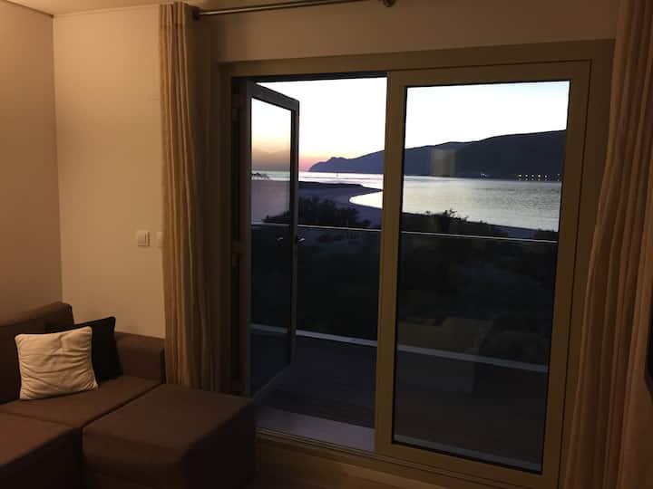 Apartamento T2 no Troiaresort em cima da praia