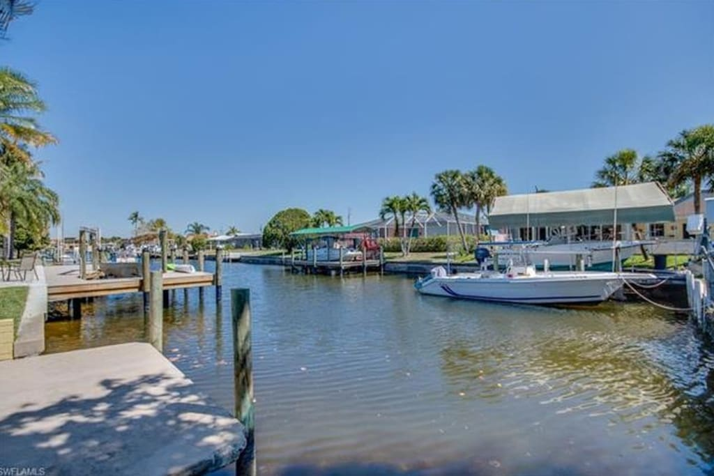 Private dock on canal only minutes away from ocean