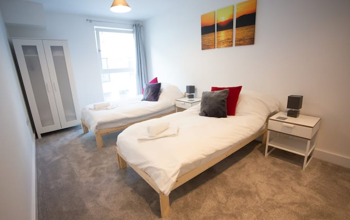 * Corporate Serviced 2 Bed Apartment * Stevenage *