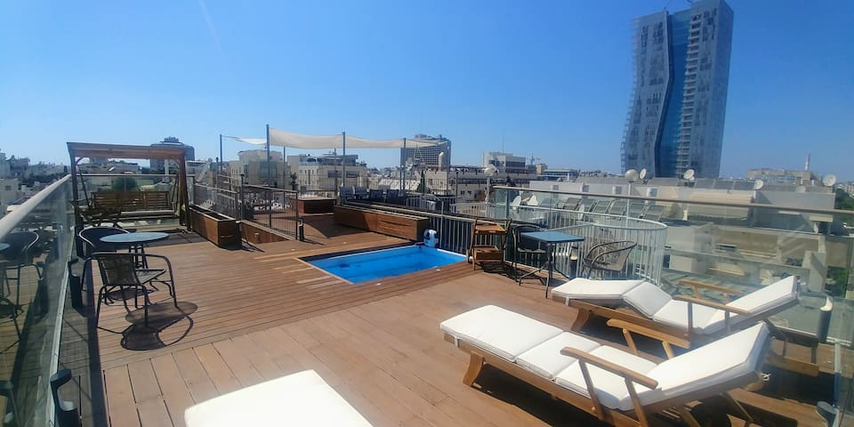 Communal rooftop shared between our 6 rooms. Using it is solely on your responsibility.