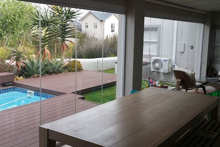 Self Catering Estate Family Home, Somerset West - Cape Town
