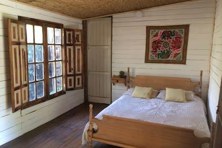 Lupi House - Penalolen - Bed & Breakfast