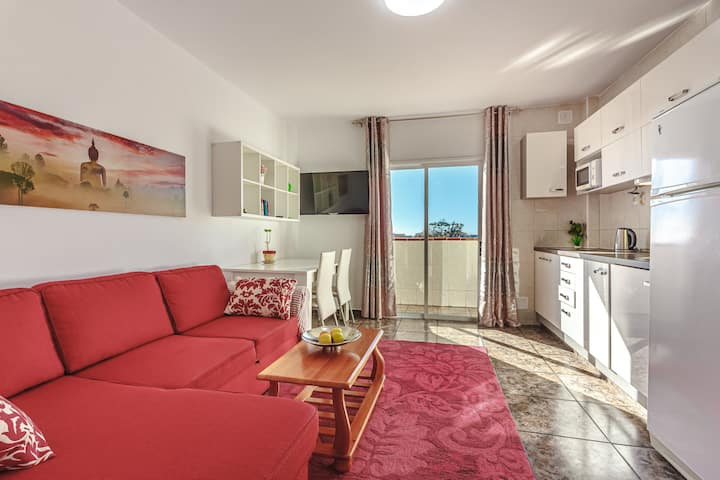 Sunny apartment near the sandy beach