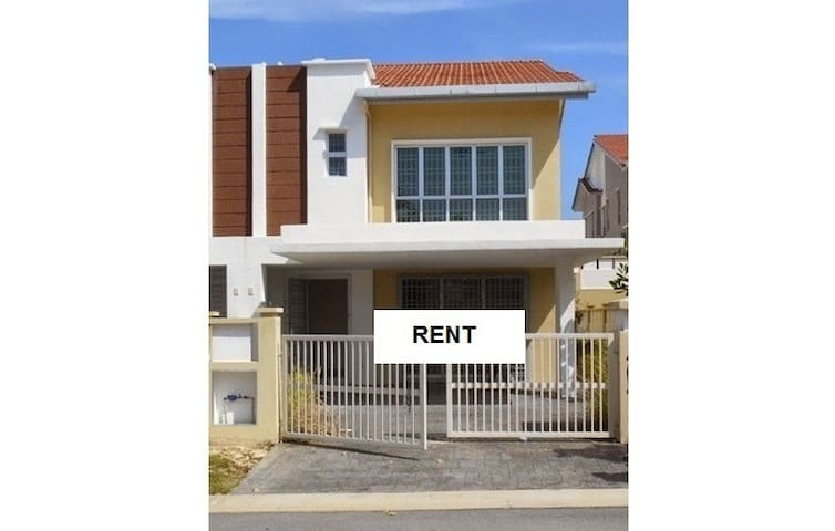 Semi-D House For Rent Pearl 132, Seremban 2 - Seremban