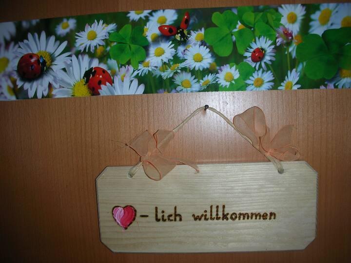 """Tscharnighof  Holiday apartment """"Gänseblümchen"""""""
