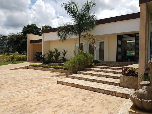 Casa Campestre en Villavicencio - Restrepo - Rumah