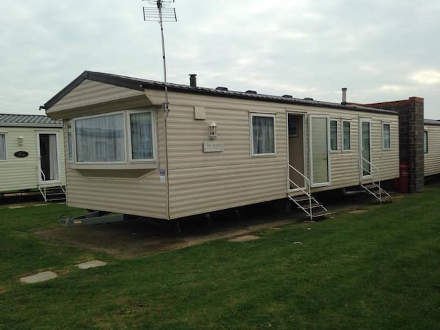 HighFields 184 - Clacton-on-Sea - Andre