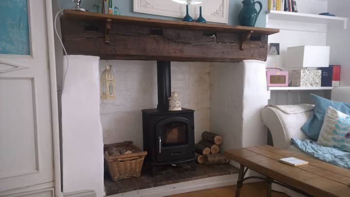 Peaceful Four Bedroomed Cottage, Heart of Lewes