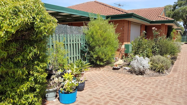 Private, comfortable room in beautiful Busselton!