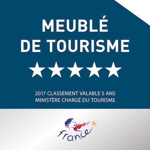 5 étoiles au Classement Meublé de Tourisme.