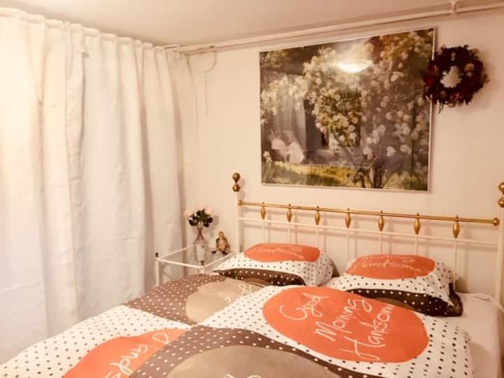 Privat værelse, 25 kvm. Tæt på badestrand