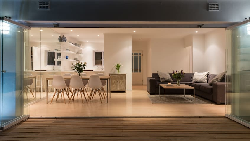 Stylish townhouse in Claremont, Cape Town. - Cidade do Cabo - Casa