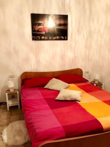 confortevole e comoda camera matrimoniale - trovi inoltre un letto supplementare!