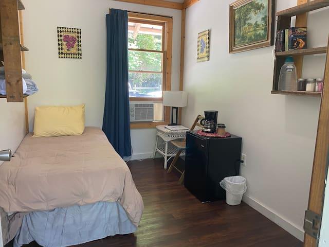 Unaka Springs Room #10 Rustic Riverside Retreat