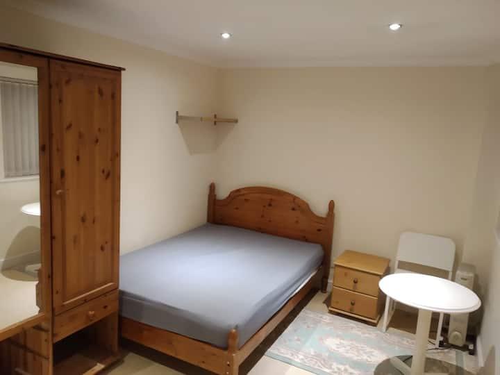 Big double room in Duston, Northampton