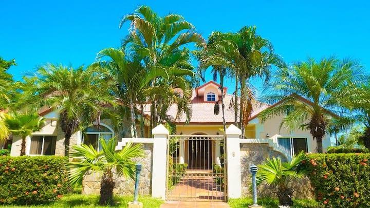 Casa de Playa Residencial Privada/ Max. 25 Guests