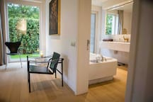 BRUGES - DESIGN-APPARTMENT - SWIMMING POOL (May)