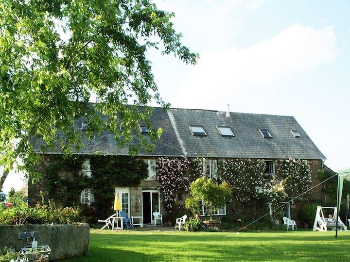La Plissonnais - huge farmhouse sleeping up to 24