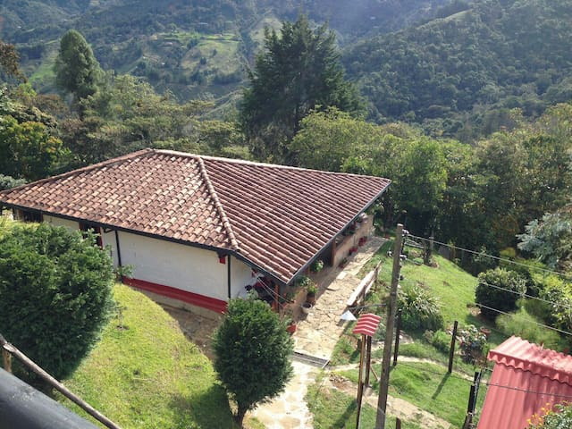 Traditional country house near Medellín - Rionegro - Huis