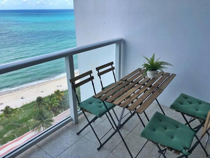 BeachFront W/ Balcony, Kitchen & Parking Included