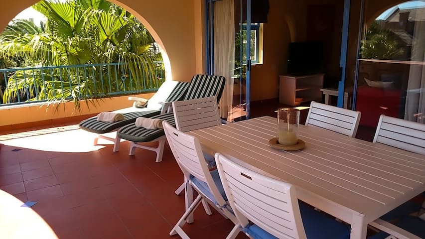 Large Studio Apartment close to beach and city