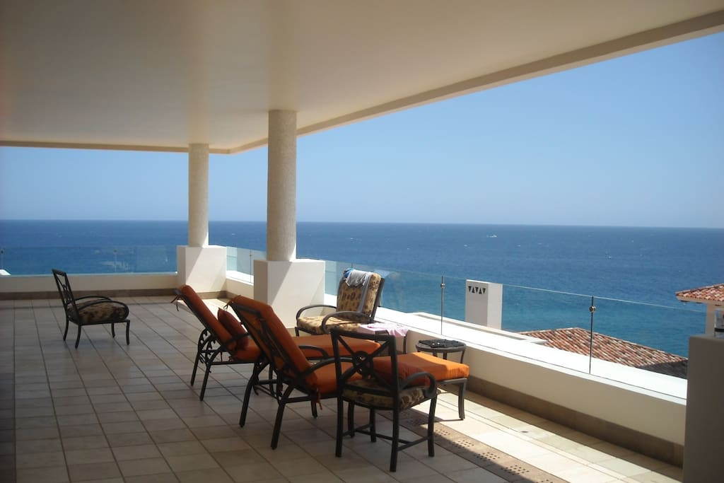 Sample Gigantic Terrace with sweeping views of the pacifc