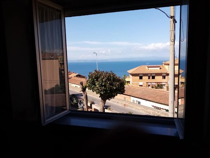 Casa con vista a Porto Santo Stefano