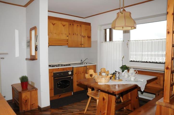 Appartamento 6 posti letto residence Casa Cavalese - Cavalese - Apartament