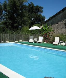 Charming farm with pool - 35 min from Bordeaux CV - Montlieu-la-Garde