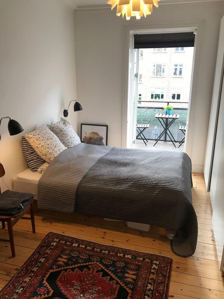 Lejlighed med altan på Frederiksberg