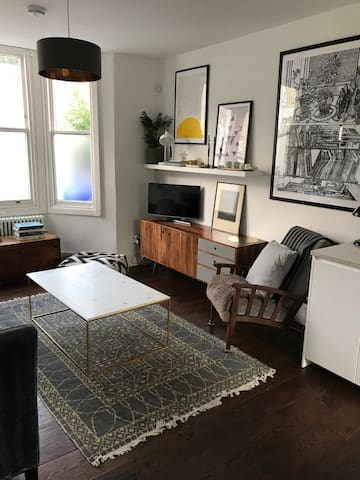 Light, Bright home in London Village Location