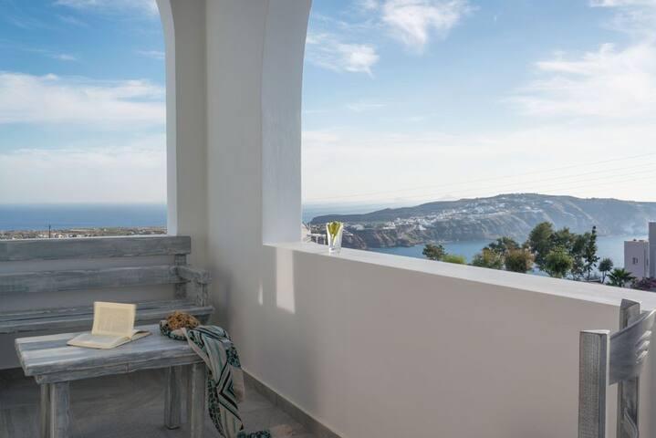 GRALSAN401- Luxury 2 Bedrm Villa With Hot Tub