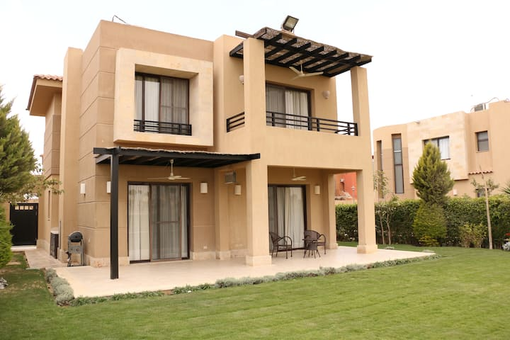 Villa in Sokhna Overlooking Golf