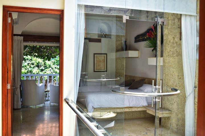 En suite Master bedroom with Balcony