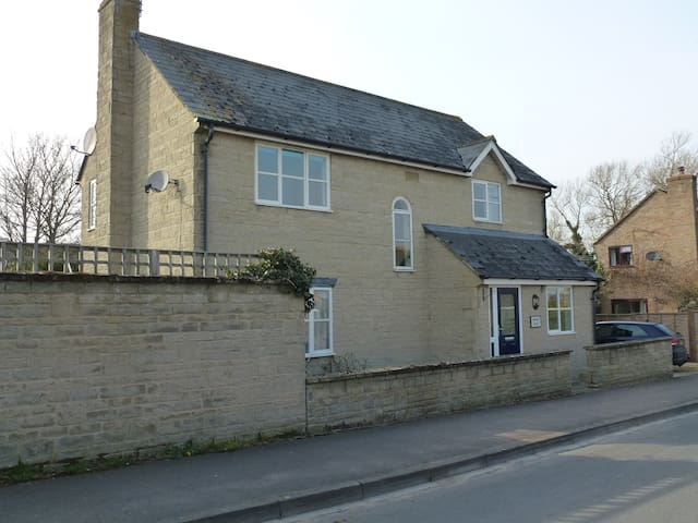 Comfortable Room in Cricklade - Cricklade - House