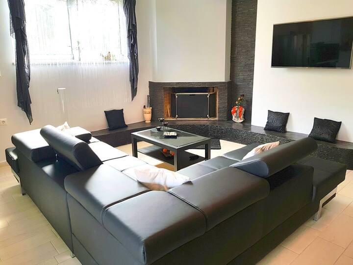 Elegant & Cozy Apartment in Artemida Athens