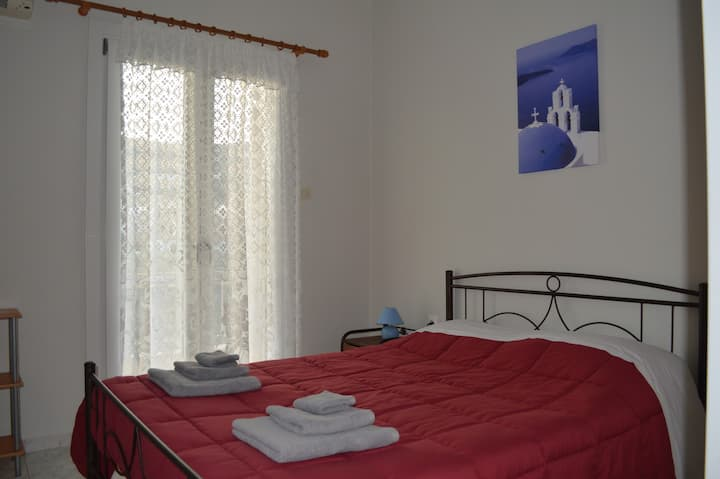 Apartment in Ermoupolis, Syros 400m from the port