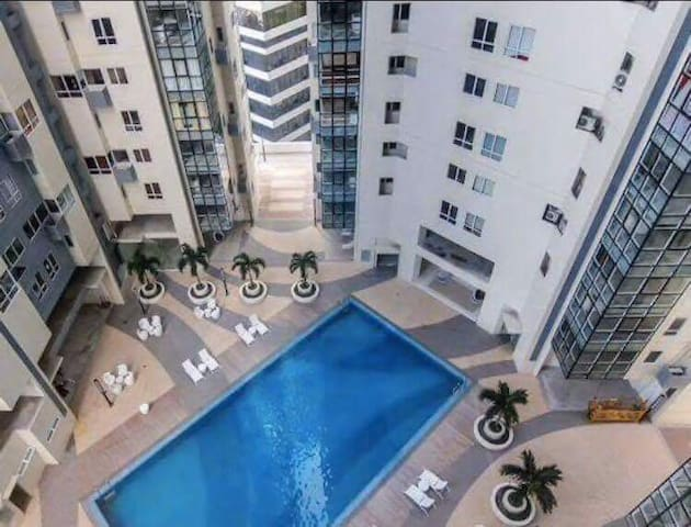 Newly furnished 2 Bedroom condo @ 5th ave, BGC - Taguig - Pis