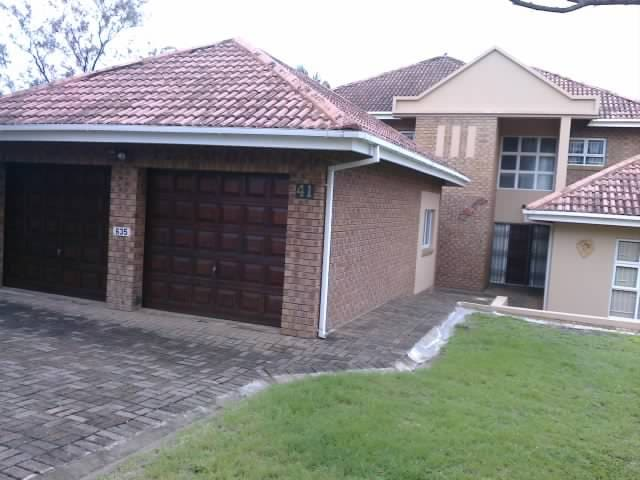 Open plan Family home close to Uvongo beach