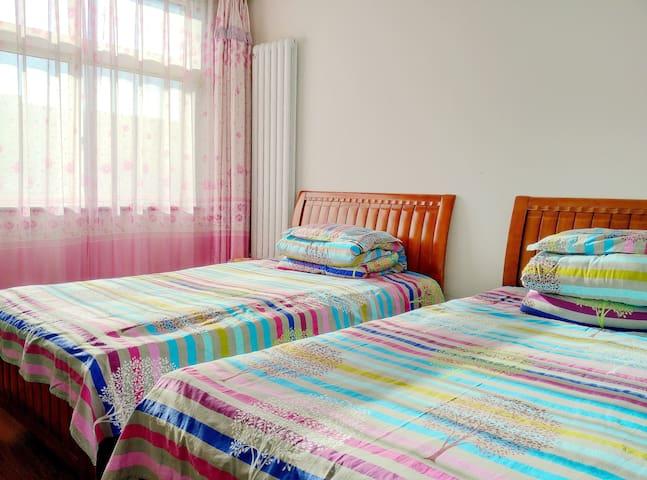 可凡之家·经济3卧A套(3卧室,2洗手间,3厅,3露台,150平米) - Beijing - Lägenhet