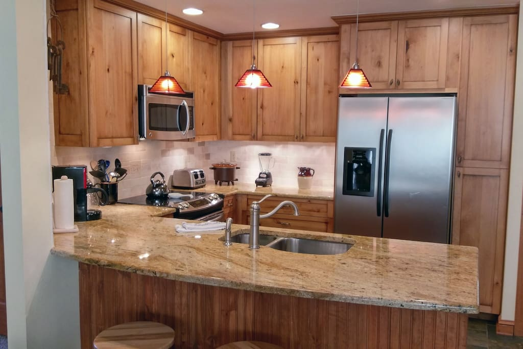 Beaver Creek West Condo A-3 kitchen with breakfast bar