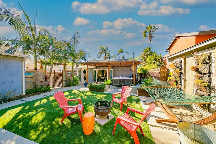 Charming updated w/ spacious backyard oasis & hot tub!