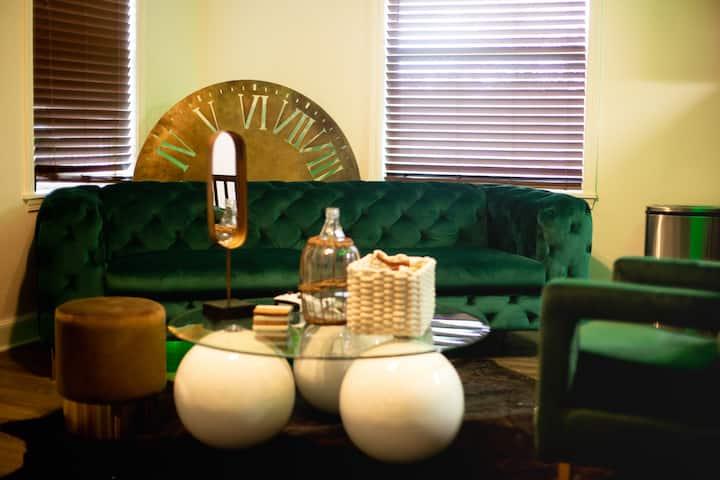 2 BedRoom Luxury Duplex By Mr.Lee