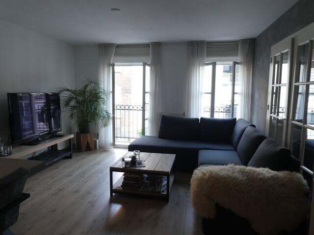 Groot en modern appartement midden in het centrum.