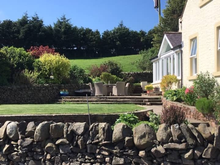 Luxury Farmhouse Accommodation, close to Dumfries