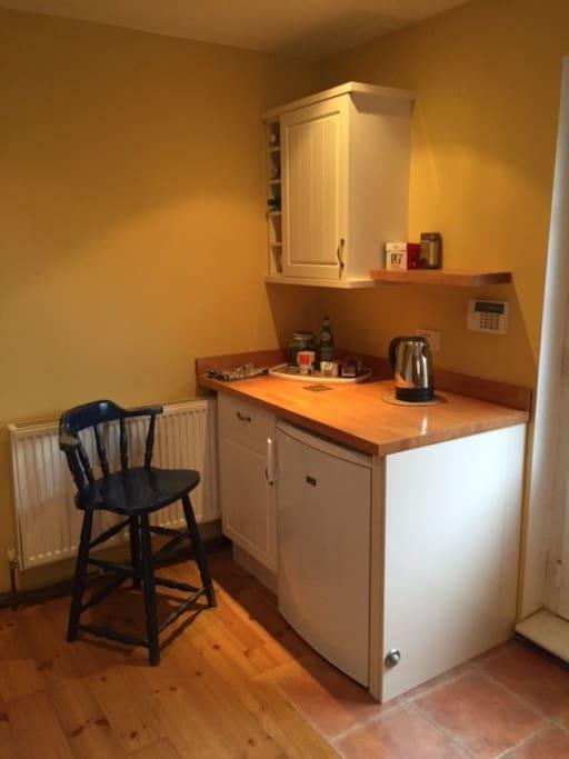 Tea counter and fridge