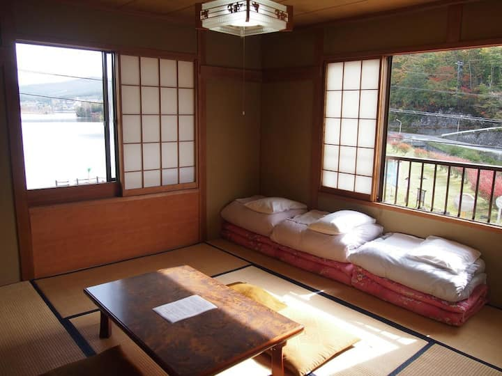Japanese Style Room with Shared Bathroom 4 adult