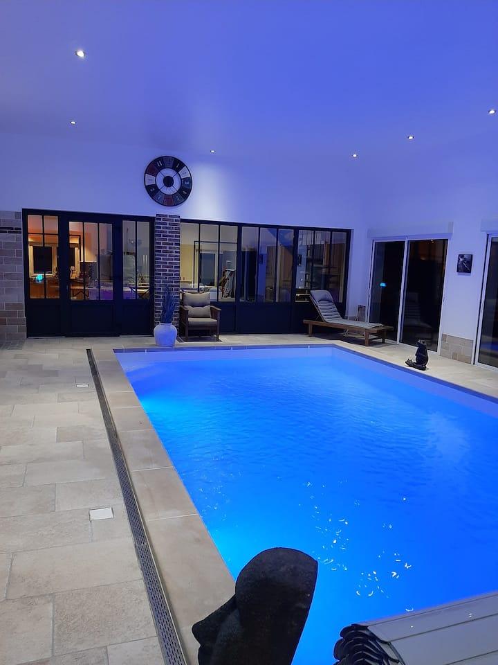 """La Maison de Solange """" charme, piscine et spa"""""""