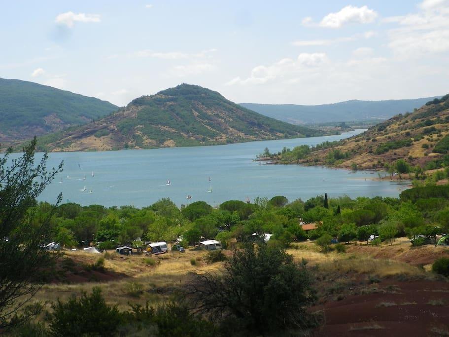 Lac du Salagou à 15 minutes en voiture